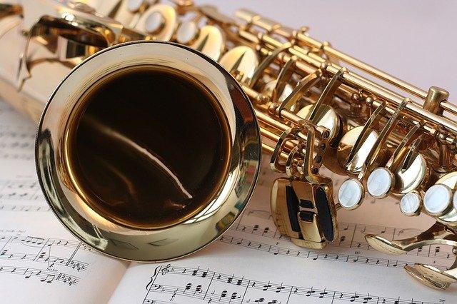 magnifique saxophone sur une partition
